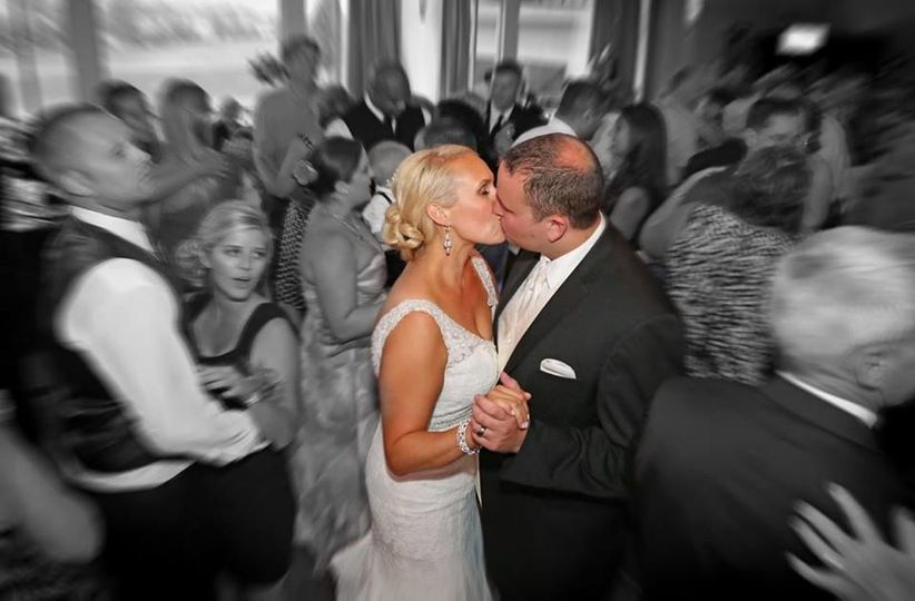 Nicole and Tom share a moment on the dance floor at Scioto Reserve Country Club.