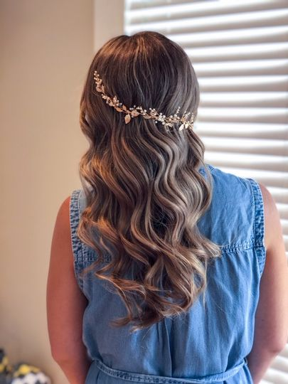 Boho curls with glam piece