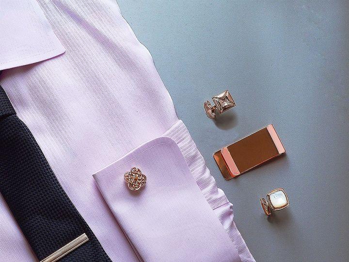 Tmx Shirt Groupshot Rosegold 51 1068411 1565101712 Windermere, FL wedding dress