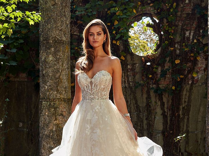 Tmx 1528316527 19fe29cca243df84 1528316524 18f9291c32374bec 1528316500628 1 Eve Cout Style 436 Hershey, PA wedding dress