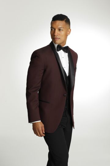 burgundy with blk vest and bow tie 4