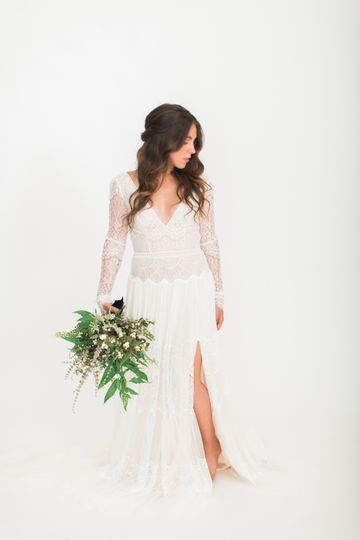 Bride with foliage bouquet