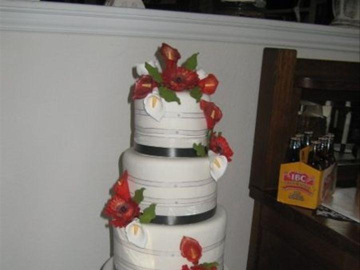 Tmx 1270756983367 Lucyweddingcakelargephoto Canyon Lake wedding cake