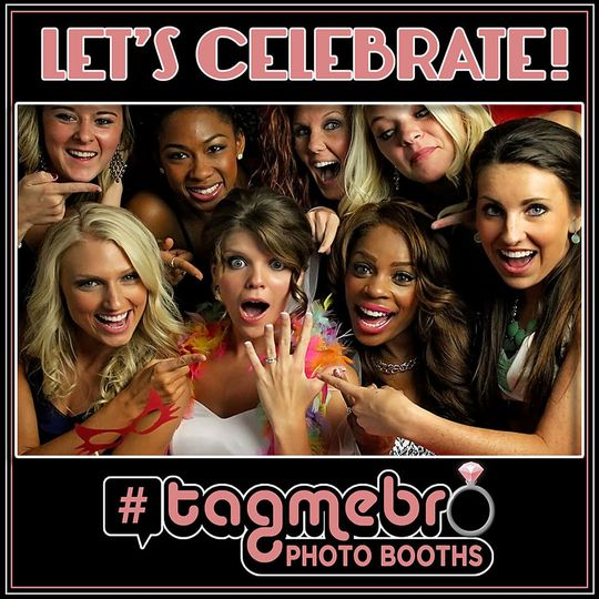 ce769964d5d1f493 tagmebro photo booth wedding facebook ad