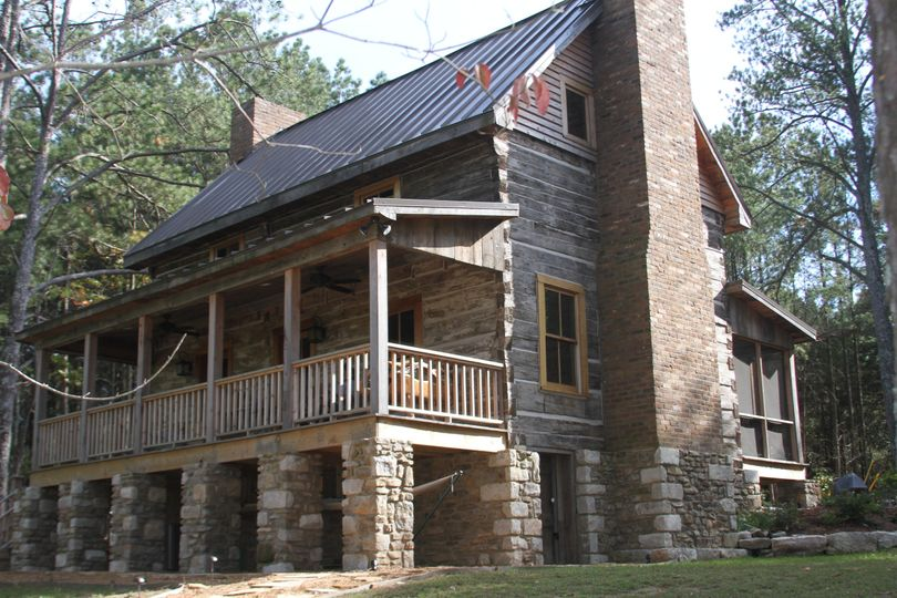 Eagles Nest honeymoon  cabin