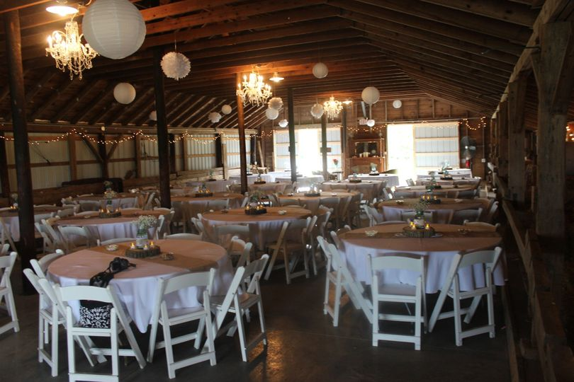 3399ce2ae17b7887 1454876907916 sanders wedding barn 005