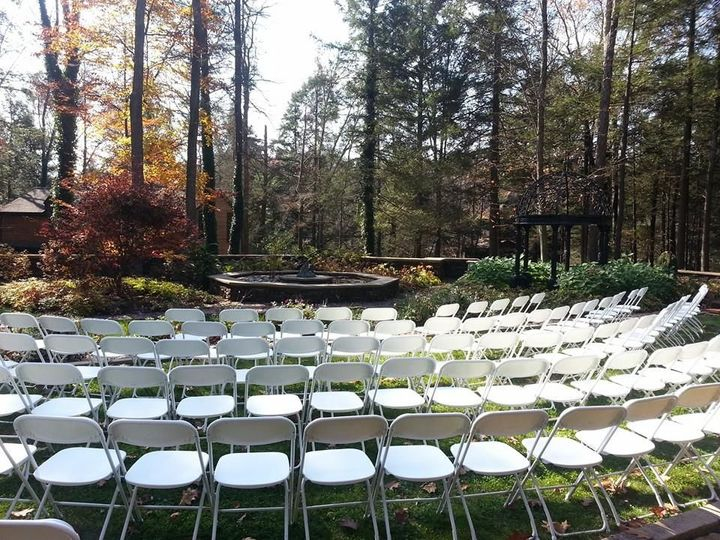 Circular ceremony set up in the Sculpture Garden