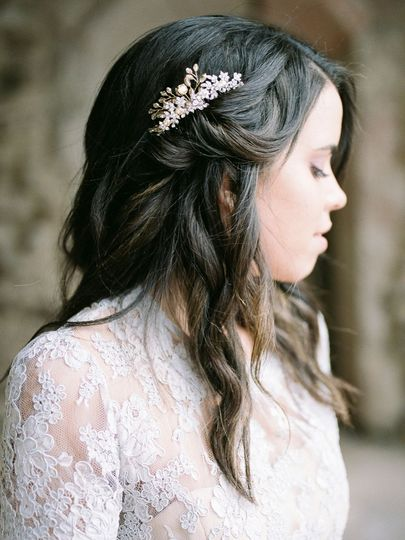 Wavy wedding hair