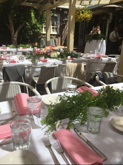 Fresh table garland