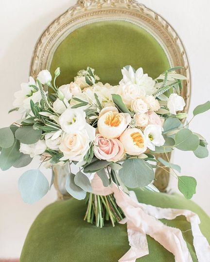 Peach loose bouquet