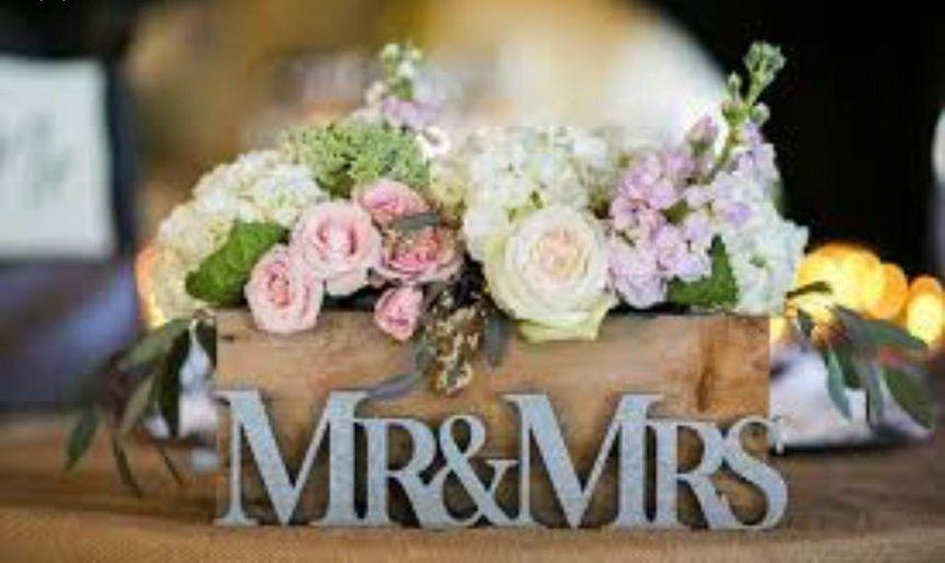 Mr & Mrs head table design