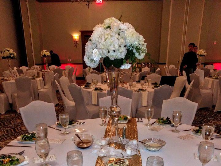 Tmx Weddingcenterpiece1 51 1611711 160392316785547 Fairburn, GA wedding planner