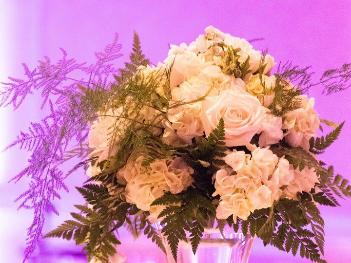 Tmx Weddingcenterpiece3 51 1611711 160392279232139 Fairburn, GA wedding planner