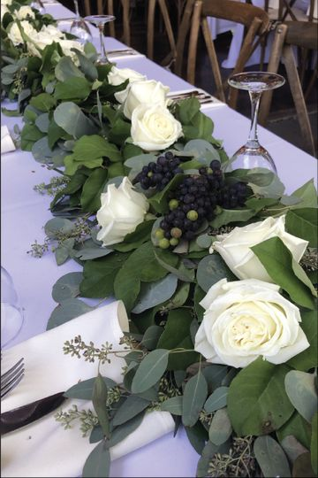 Dazzling table blooms!