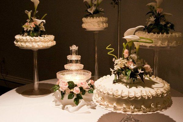 Krystal Gardens' signature multi-leveled wedding cake