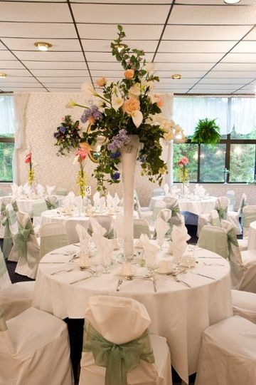 Elegance table setup with centerpiece