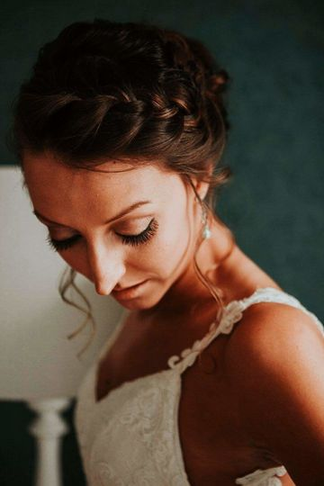 French braid and simple makeup