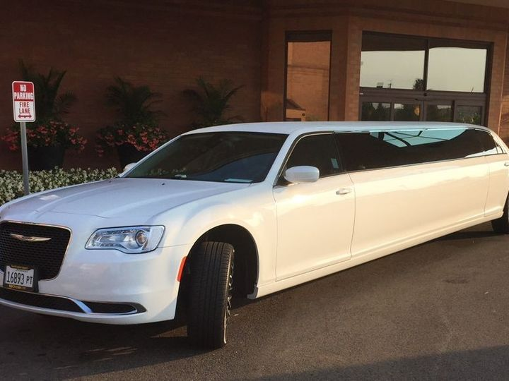 Tmx Chrysler 300 Stretch Limo 01 Outside View 51 569811 158860910413438 Fort Worth, TX wedding dj