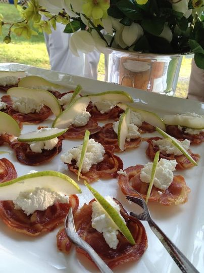 Pancetta crisp with goat cheese & vermont pear