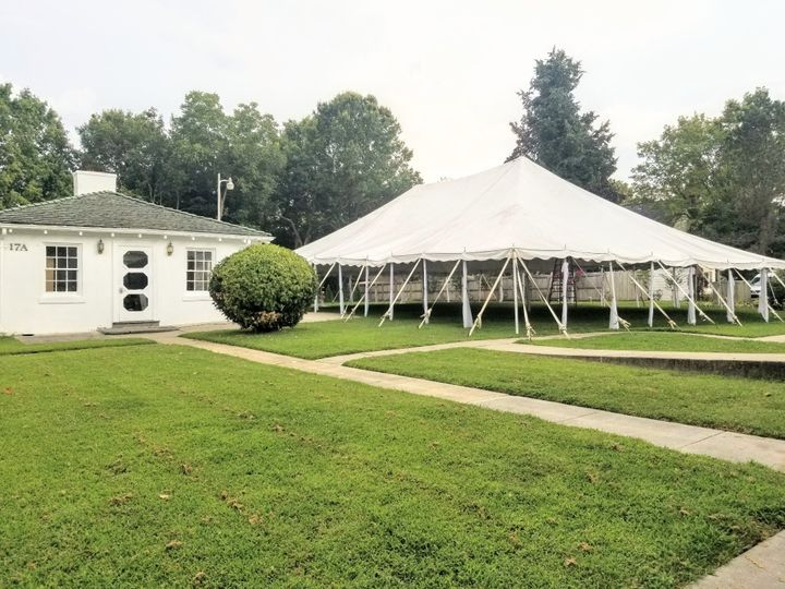 Carriage House/Bar and Tent