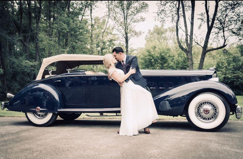 Classy car kiss