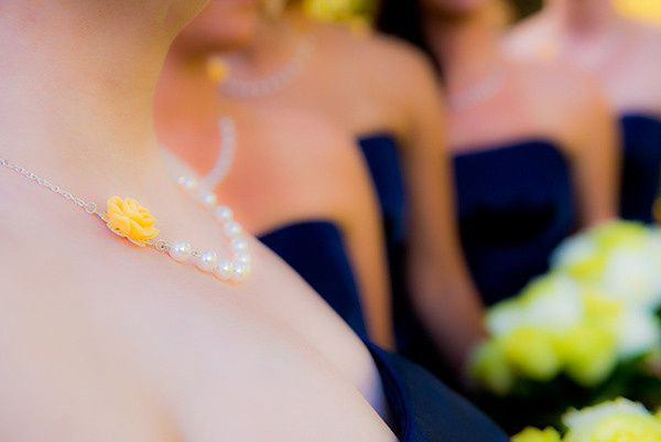 bridesmaids necklaces and flower