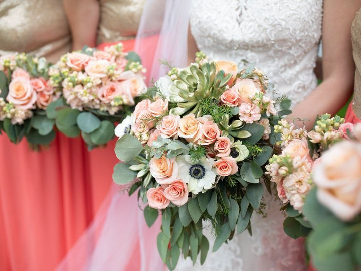 Tmx Alyssa Leeser 51 770021 158342876551254 Dubuque, IA wedding florist
