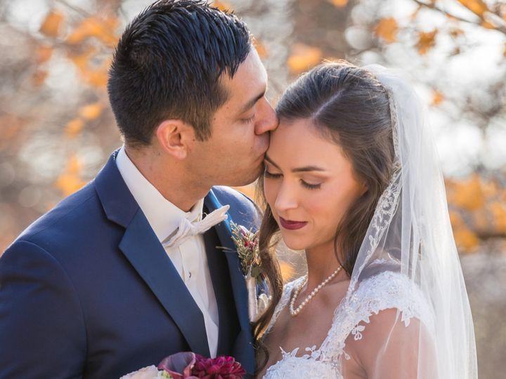 Tmx Danielle Dom Wedding 146 1 51 770021 158342904924651 Dubuque, IA wedding florist