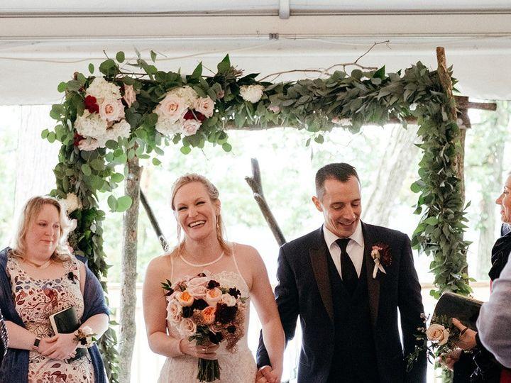 Tmx Dee Anna P 2 51 770021 158342904333135 Dubuque, IA wedding florist