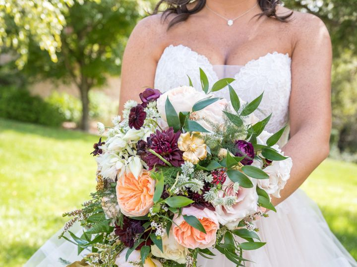 Tmx Heather Dan Wed 113 1 51 770021 158342905612657 Dubuque, IA wedding florist