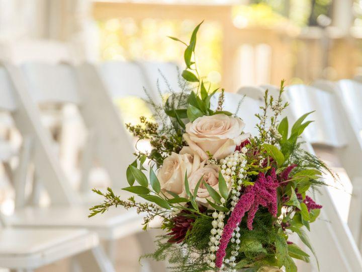 Tmx Heather Dan Wed 397 1 51 770021 158342906110263 Dubuque, IA wedding florist