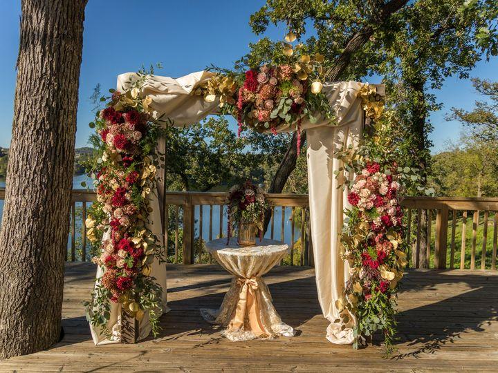 Tmx Heather Dan Wed 399 1 51 770021 158342907534308 Dubuque, IA wedding florist