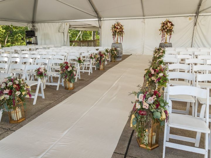Tmx Heather Dan Wed 401 1 51 770021 158342906687247 Dubuque, IA wedding florist