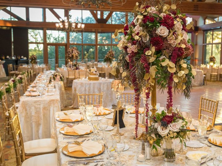 Tmx Heather Dan Wed 650 1 51 770021 158342907313645 Dubuque, IA wedding florist