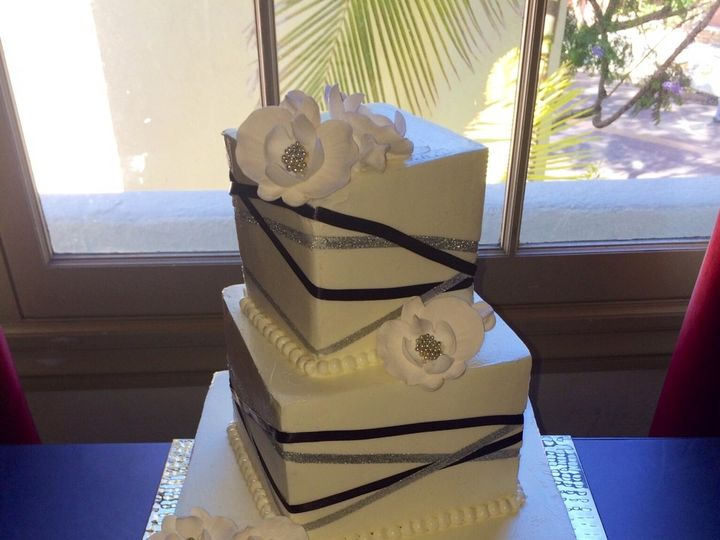 Tmx 1499972004504 Criss Cross Ribbon San Diego wedding cake