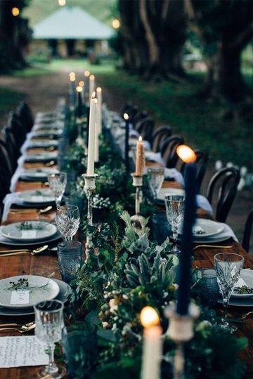 Farm table garland
