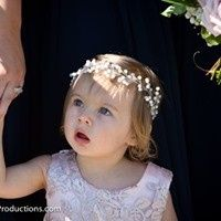 Sweet flower girl!