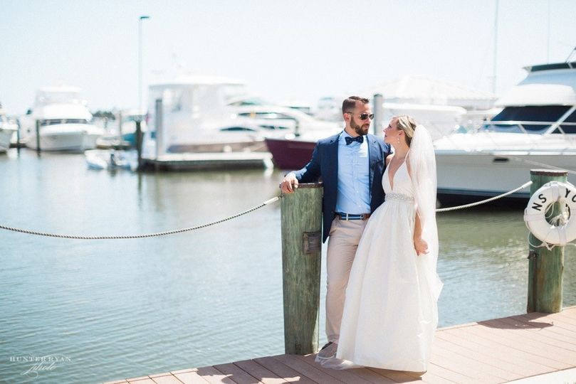 Our picturesque marina location at Naples Bay Resort and Marina makes for stunning wedding photos