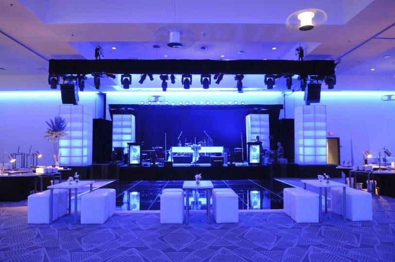 Radisson blu mall of america photos ceremony reception for Wedding dresses mall of america
