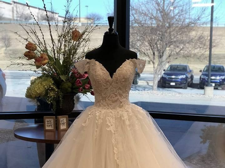 Tmx Suburban Bridal 03 51 30121 1566292328 Omaha, NE wedding dress