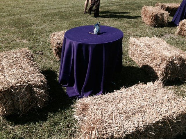 Tmx 1426628500360 Hay Bail Seating W Cab Table Plain City wedding catering