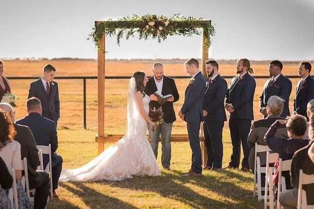 The Barn at 5S Ranch - Venue - Thrall, TX - WeddingWire