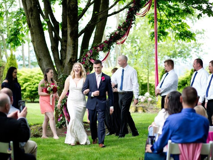 Tmx 1532539716 De823bc32adaac37 1532539715 3b2806050da19e6a 1532539709480 6 Stepping11 Burlington, Washington wedding venue