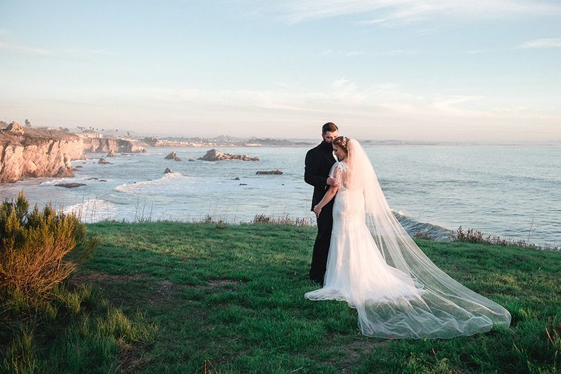 800x800 1505856843539 018pismo cliffs wedding ventana