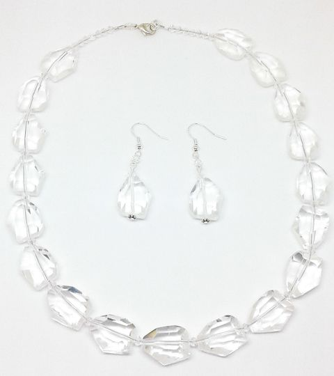 Sara is designed with Quartz and Swarovski crystal beads, this necklace and earring set is 18 inches...