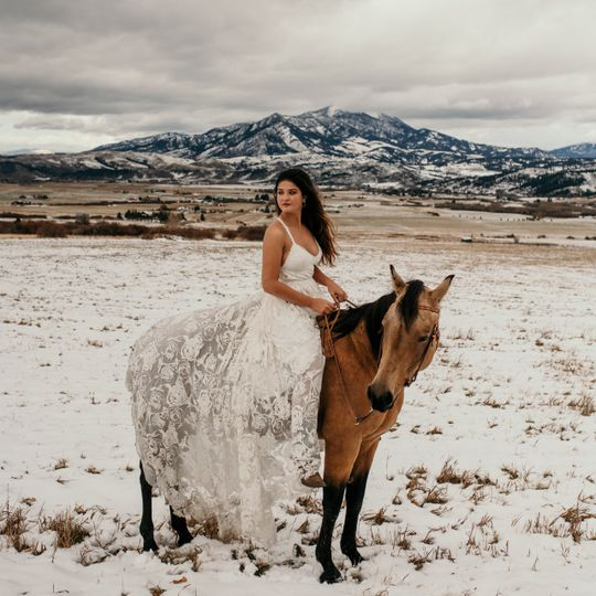 Winter glam on the ranch