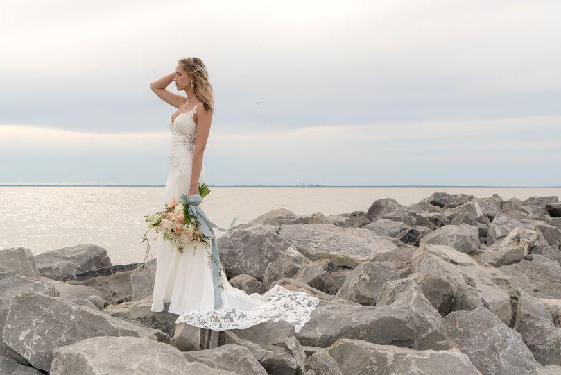 Katie bridal session on rocks