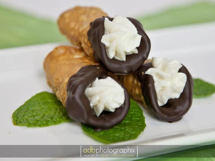 Tmx 1531536054 432b4c4f0e0bf7e4 1531536053 67e7fbcc3f80f52a 1531536053023 10 Up Close Cannoli Portland, OR wedding catering