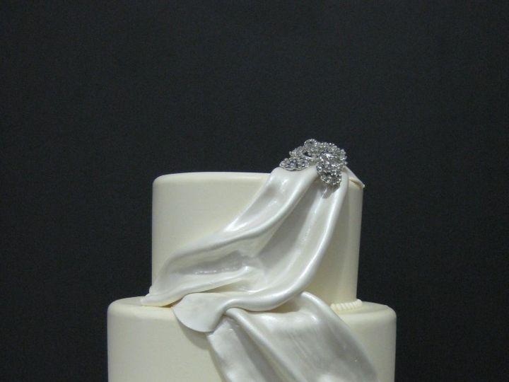 Tmx 1460490315450 0020 768x1024 Irvine wedding cake