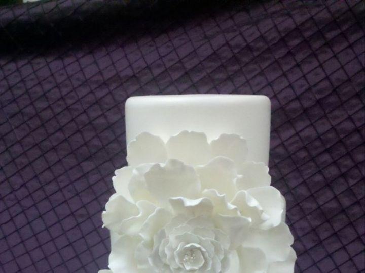 Tmx 1460490343317 0023 577x1024 1 Irvine wedding cake